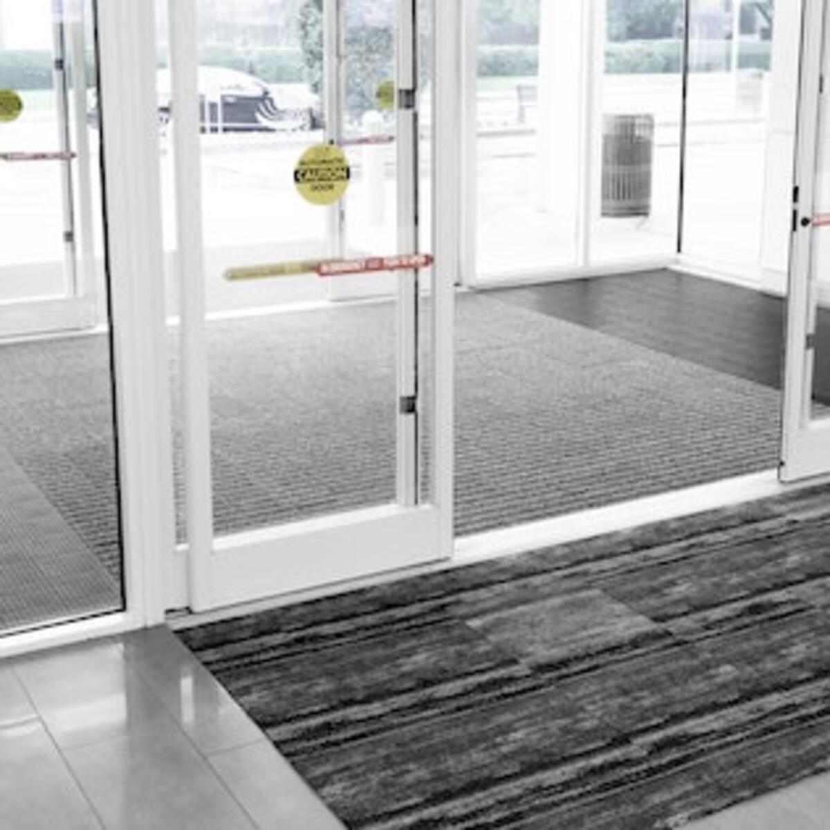 Hodge Floors: Airlock Install at GSP